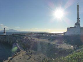 Europa Punkt - die südlichste Spitze Gibraltars. Am Horizont die Berge Marokkos.