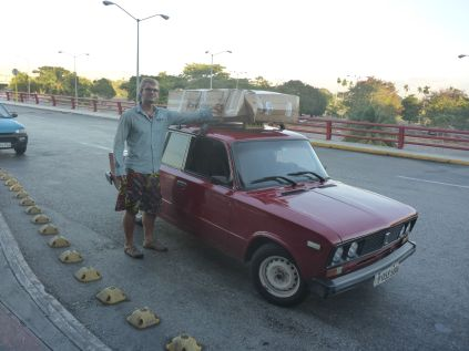 Mit dem Lada zum Flughafen. Adios Kuba!