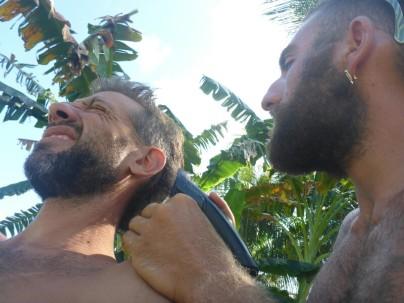 Erci, auch genannt der Türke, beim Haare schneiden.