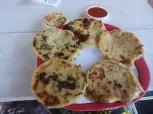 Berühmte Pupusas aus El Salvador. Maisfladen z.b. mit Käse oder Bohnen gefüllt.
