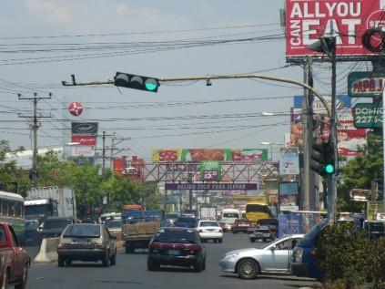 Verkehrsdschungel in San Miguel, El Salvador.